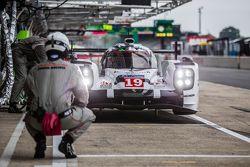 #19 Porsche Team Porsche 919 Hybrid: Nico Hulkenberg, Nick Tandy, Earl Bamber, Frédéric Makowiecki