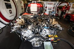 Nissan Motorsports Nissan GT-R LM NISMO motor