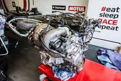 #21 Nissan Motorsports Nissan GT-R LM NISMO motor