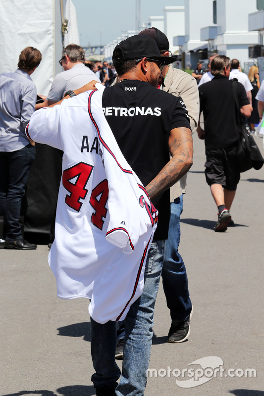 Lewis Hamilton, Mercedes AMG F1 wears a Boston Braves Hank Aaron baseball jersey