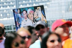 Bandiera per Lewis Hamilton, Mercedes AMG F1