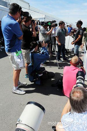 Lewis Hamilton, Mercedes AMG F1 com a imprensa