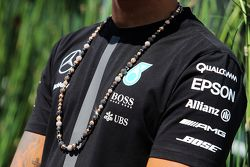 La collana di Lewis Hamilton, Mercedes AMG F1