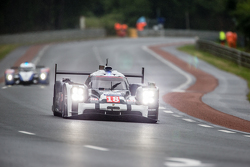 #18 Porsche Team Porsche 919 Hybrid: Romain Dumas, Neel Jani, Marc Lieb, Frédéric Makowiecki