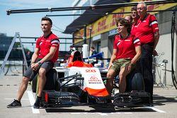 Will Stevens, Manor F1 Takımı ve Roberto Merhi, Manor F1 Takımı ve yeni Airbnb sponsorluğu