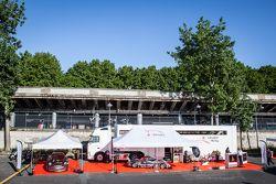 Vista general de la presentación IDEC Sport Racing