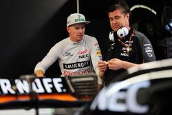 Nico Hülkenberg, Sahara Force India F1, mit Bradley Joyce, Sahara Force India F1, Renningenieur