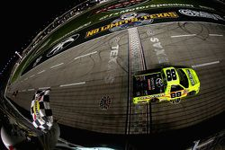 Matt Crafton, ThorSport Racing Toyota takes the win