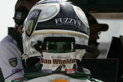 Ed Carpenter, CFH Racing Chevrolet con un homenaje a Dan Wheldon en su casco
