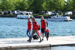 Will Stevens, Manor Marussia F1 Team bersama rekan setim Roberto Merhi, Manor Marussia F1 Team