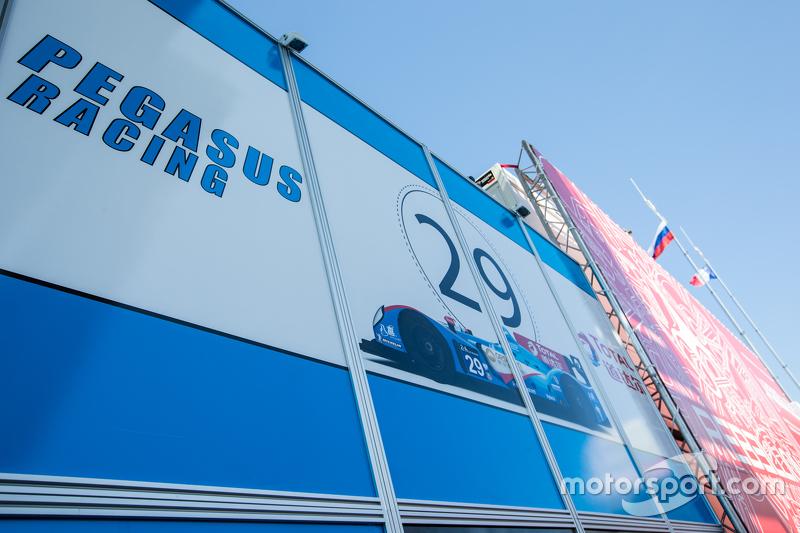 Pegasus Racing Транспортер та лого / вивіски