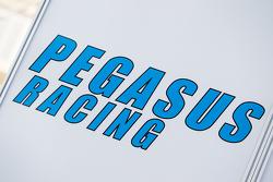 Pegasus Racing transporter, dan logo / signage