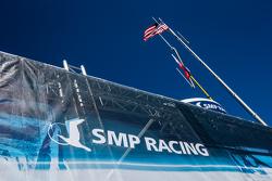 SMP Racing transporter dan logo / tanda