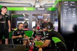 Jonathan Rea, Kawasaki Racing Team, et Pere Riba, son chef mécanicien