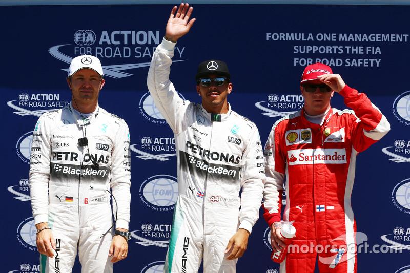 2. Nico Rosberg, Mercedes F1; Pole-Sitter Lewis Hamilton, Mercedes F1, und Kimi Räikkönen, Ferrari