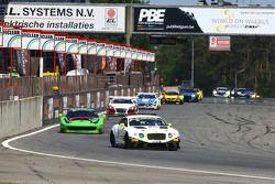 السيارة رقم 84: فريق بنتلي إتش تي بي بنتلي كونتيننتال جي تي3: ماكسيميليان بوهك، فنسنت أبريل