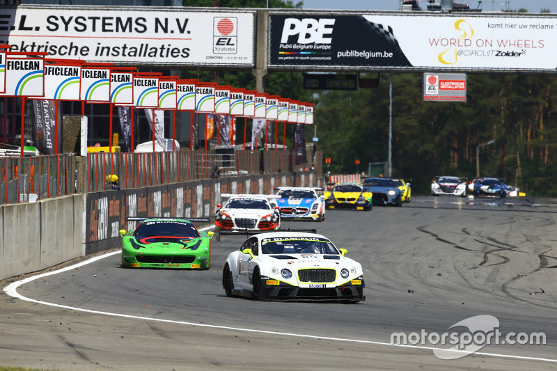 #84 Bentley Team HTP, Bentley Continental GT3: Maximilian Buhk, Vincent Abril