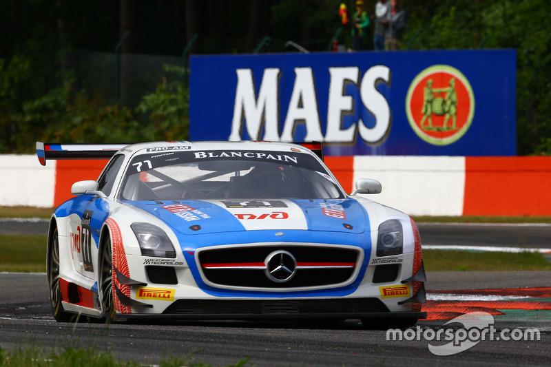 #70 GT Russian Team Mercedes SLS AMG GT3: Alexei Karachev, Бернд Шнайдер