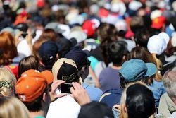 Fans auf den Tribünen, Fan von Lotus F1 Team