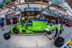 Latihan pit stop untuk #40 Krohn Racing Ligier JS P2