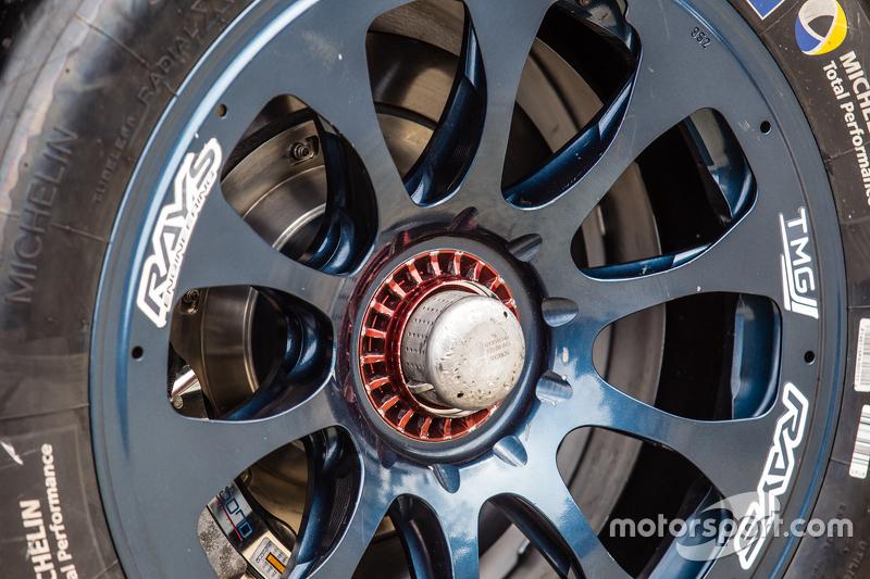 #2 Toyota Racing, Toyota TS040 Hybrid, Lenkrad