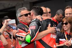 Davide Giugliano dan Serafino Foti, team manager Ducati Superbike Team
