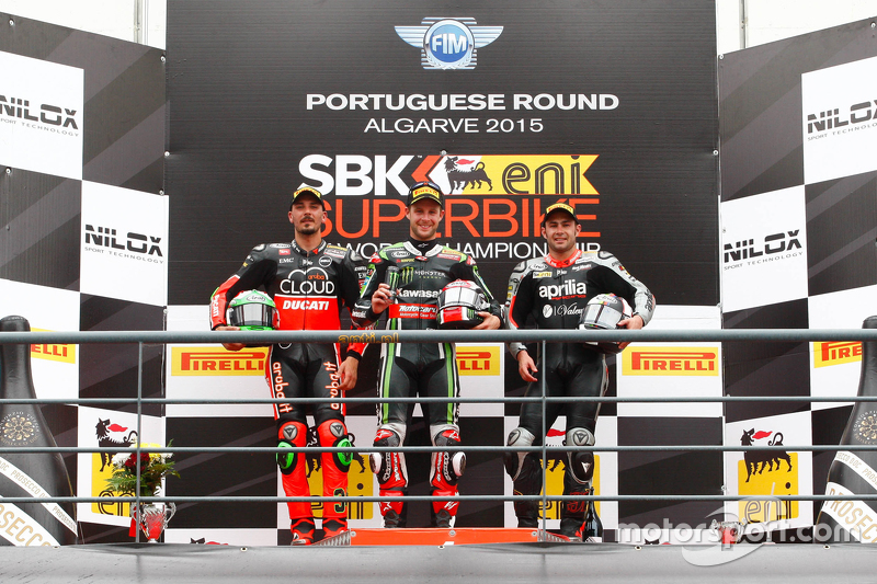 Course 2 : Le deuxième Davide Giugliano, Ducati Superbike Team, le vainqueur Jonathan Rea, Kawasaki