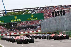 Max Verstappen, Scuderia Toro Rosso STR10 na largada da corrida