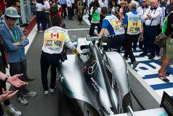 Der Mercedes AMG F1 W06 von Lewis Hamilton, Mercedes AMG F1 W06, verlässt den Parc Fermé