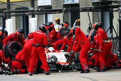 Will Stevens, Manor Marussia F1 Team, durante un pit stop