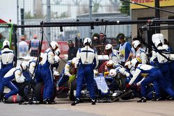 Marcus Ericsson, Sauber C34, beim Boxenstopp