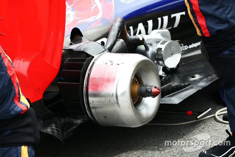 Scuderia Toro Rosso STR10 brake hub