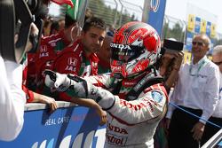 Il vincitore della gara Tiago Monteiro, Honda Civic WTCC, Honda Racing Team JAS