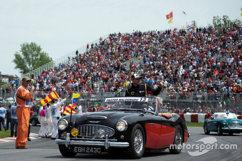 Pastor Maldonado, Lotus F1 Team en el desfile de pilotos