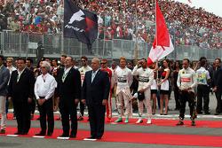 Los pilotos formados para el Himno Nacional