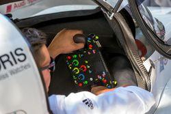 #9 Audi Sport Team Joest, Audi R18 e-tron quattro, Lenkrad