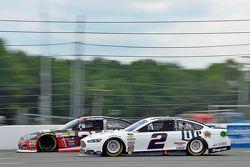 Brad Keselowski, Team Penske Ford and Ryan Newman, Richard Childress Racing Chevrolet