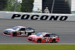 Kurt Busch, Stewart-Haas Racing Chevrolet and Ryan Newman, Richard Childress Racing Chevrolet