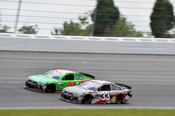 Ty Dillon, Richard Childress Racing Chevrolet y Danica Patrick, Stewart-Haas Racing Chevrolet