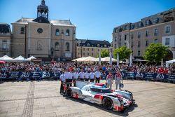 #9 Audi Sport Team Joest Audi R18 e-tron quattro: René Rast, Filipe Albuquerque