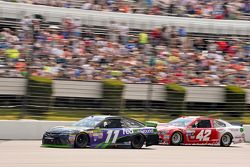 Denny Hamlin, Joe Gibbs Racing Toyota and Kyle Larson, Chip Ganassi Racing Chevrolet
