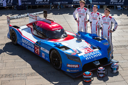 Nissan GT-R LM NISMO №21, Nissan Motorsports: Цугио Мацуда, Лукас Ордонес, Марк Шульжицкий