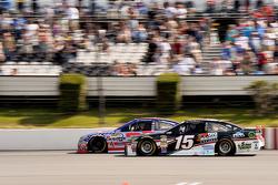 Clint Bowyer, Michael Waltrip Racing, Toyota, und Austin Dillon, Richard Childress Racing, Chevrolet