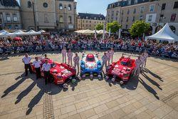 #21 Nissan Motorsports Nissan GT-R LM NISMO: Tsugio Matsuda, Lucas Ordonez, Mark Shulzhitskiy y #22