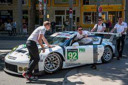 #92 Porsche Team Manthey Porsche 911 RSR