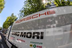 Un camion Porsche Team