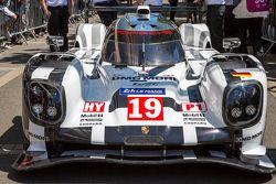 #19 Porsche Team Porsche 919 Hybrid