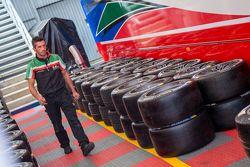 Pneus Michelin na AF Corse Ferrari