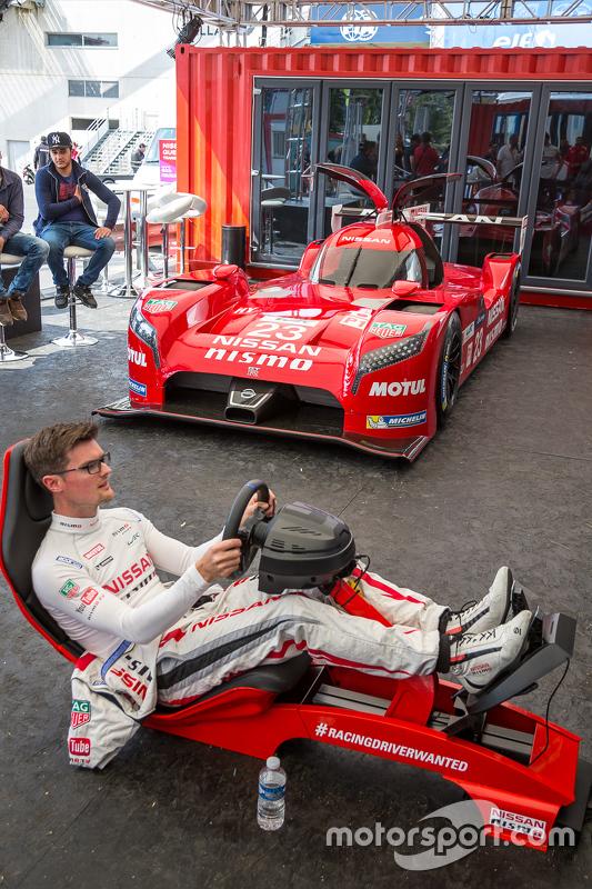 Nissan Motorsports: Alex Buncombe di Playstation
