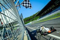 Луи Делетраз, Josef Kaufmann Racing, победитель